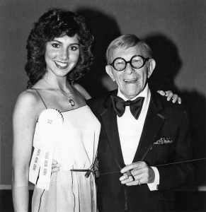 Suzanne Alexander with George Burns in Atlantic City, 1981.