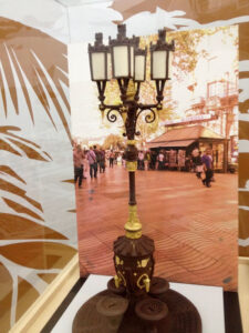 A Modernistastreetlight in dark chocolate is adorned with gold leaf, a replica of the ones on the streets of Barcelona.